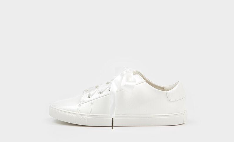 Baskets vernies blanc