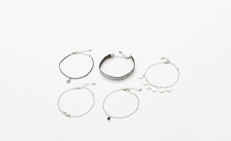 Set met 5 armbanden zilvergrijs
