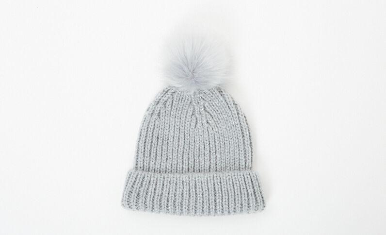 Bonnet à pompon gris anthracite
