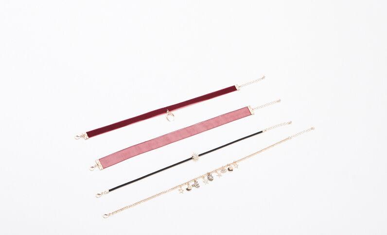 Set van 4 halskettingen bordeauxrood