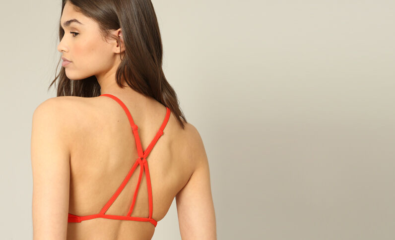Halterbikinitop met cropped effect rood