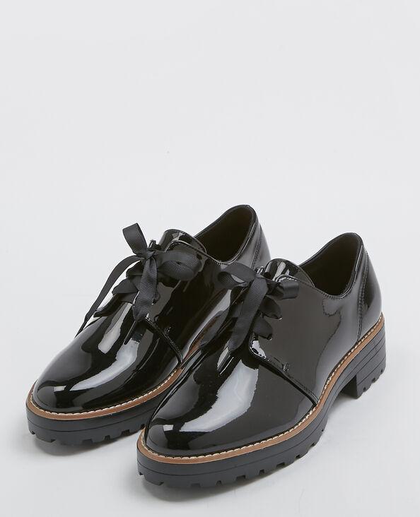 Gelakte derbyschoenen zwart