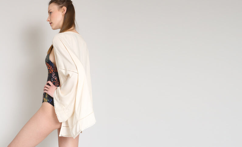 Soepelvallende kimono poederroze
