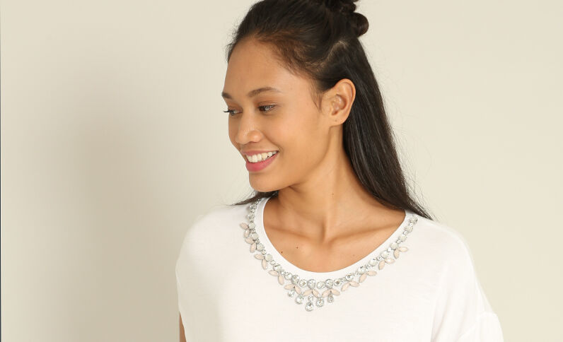 Top à bijoux blanc