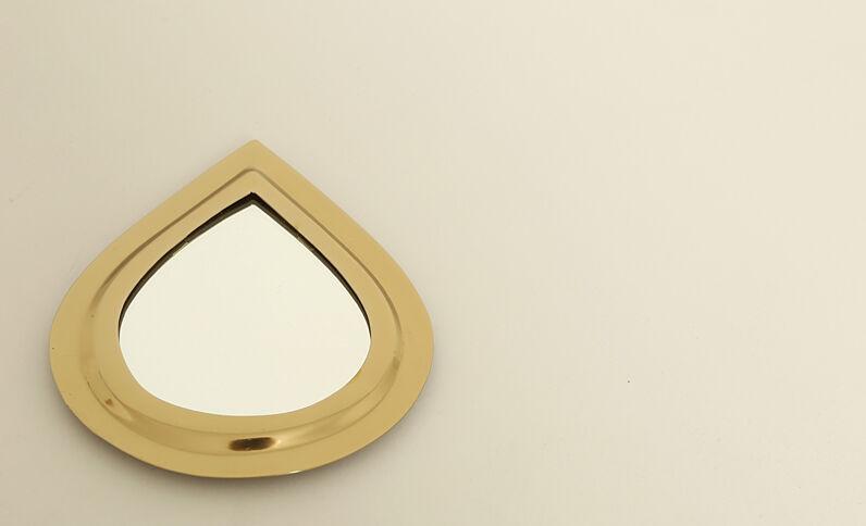 Petit miroir goutte d'eau doré