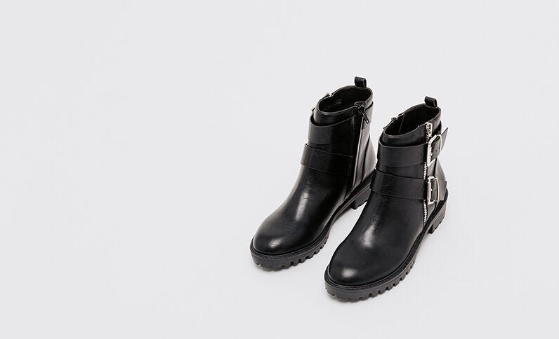 Laarzen in bikerstijl zwart