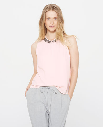 Soepelvallend shirt met sieraden bleekroze