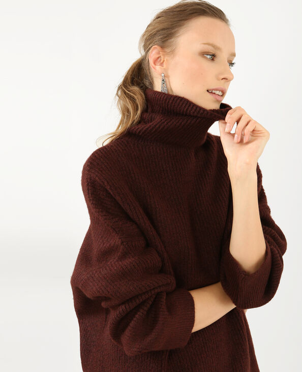 Pull chaud col roulé grenat