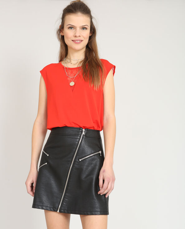 Top col dentelle rouge