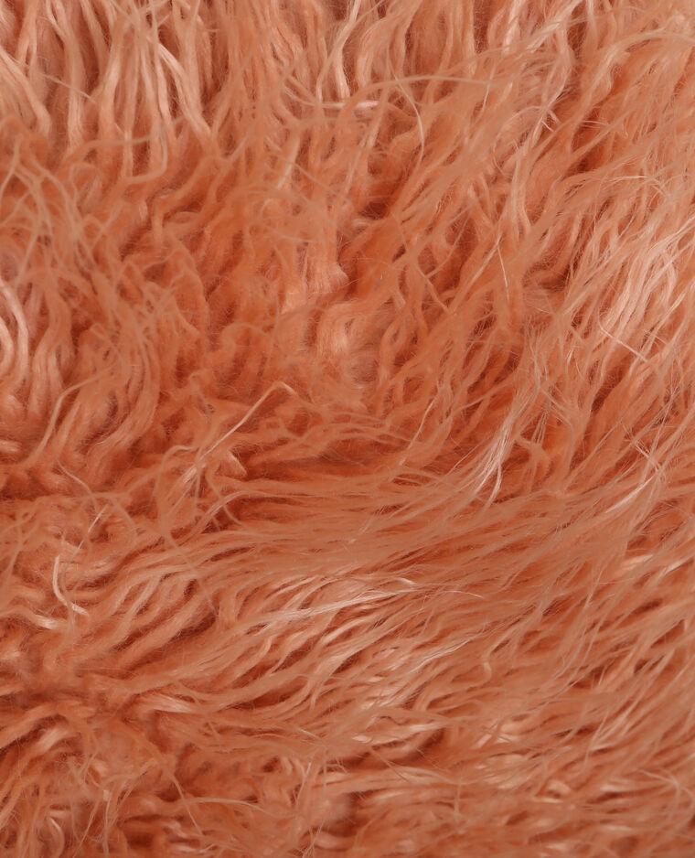 Coussin longs poils rose pâle