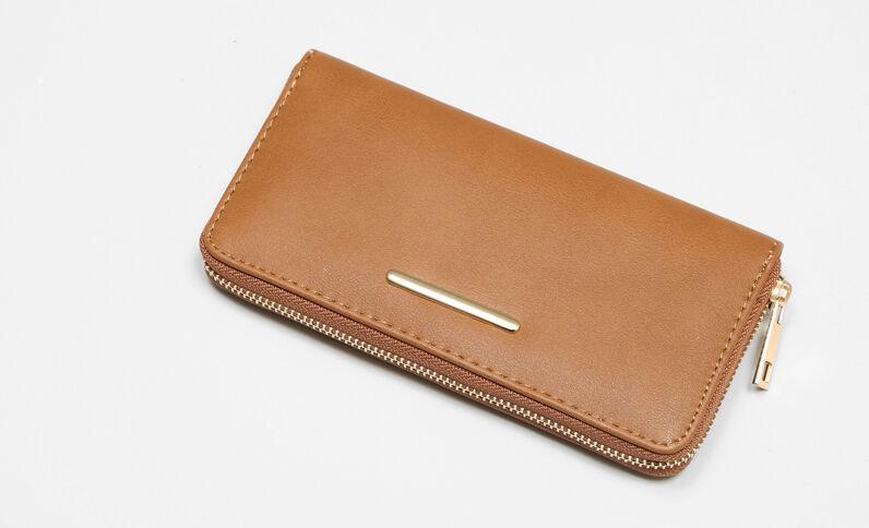 Lange portefeuille bruin