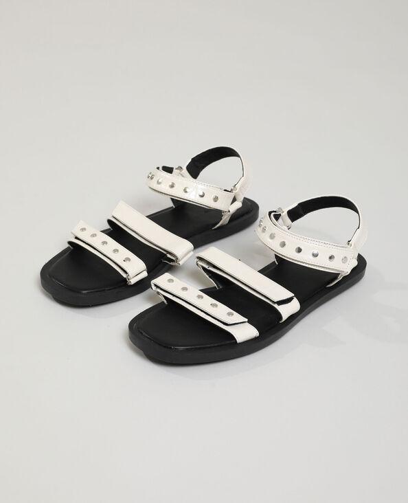 Sandales effet croco cloutées beige - Pimkie