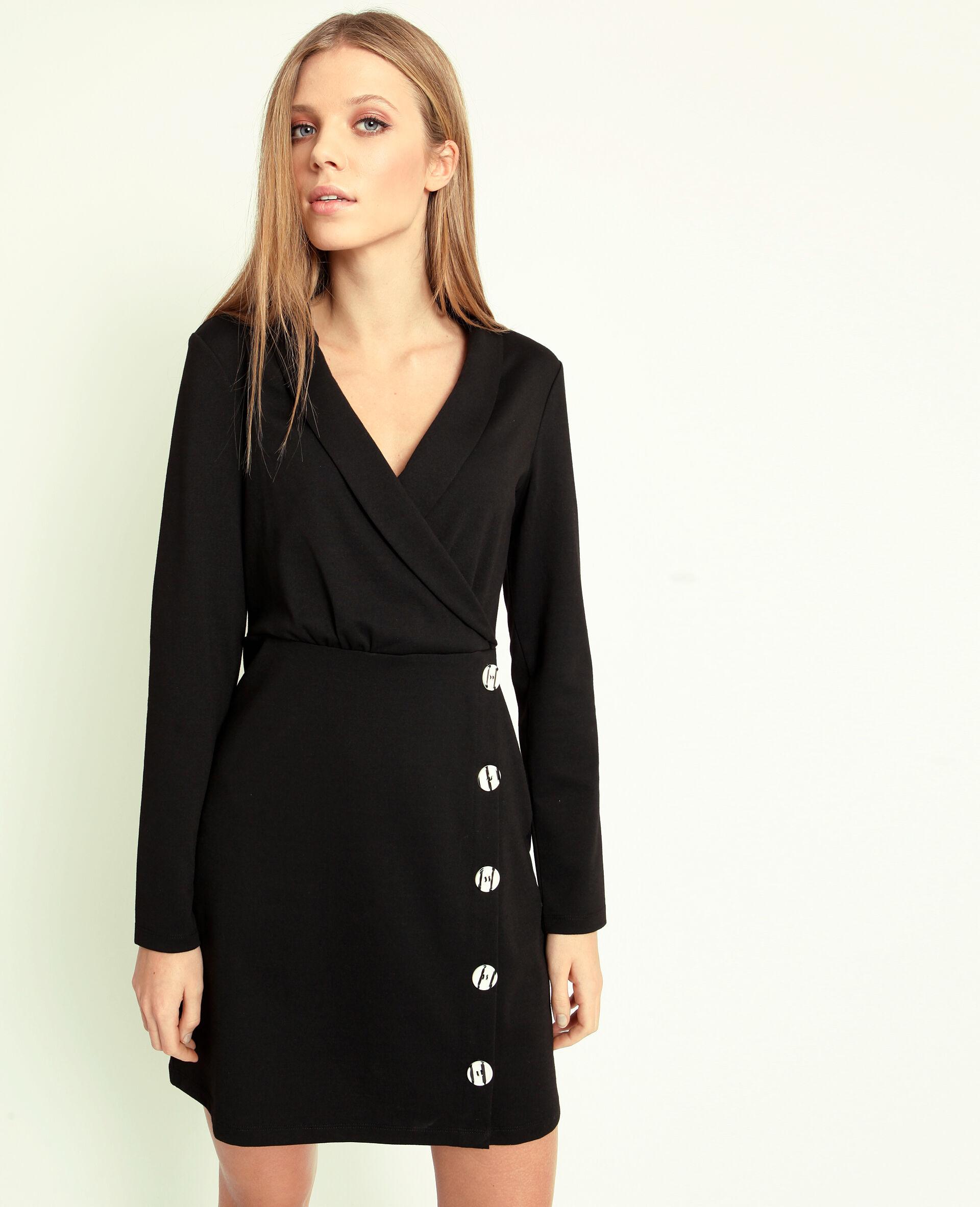 zwart kleedje met wit kraagje