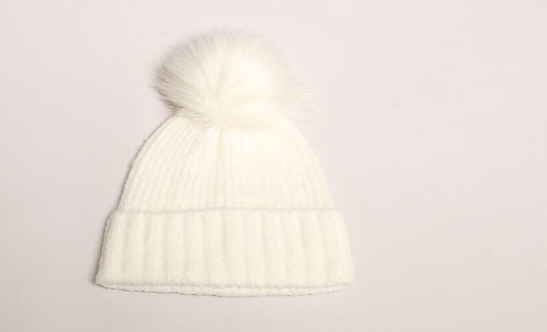 Bonnet à pompon blanc cassé