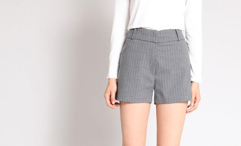 Short met strepen grijs