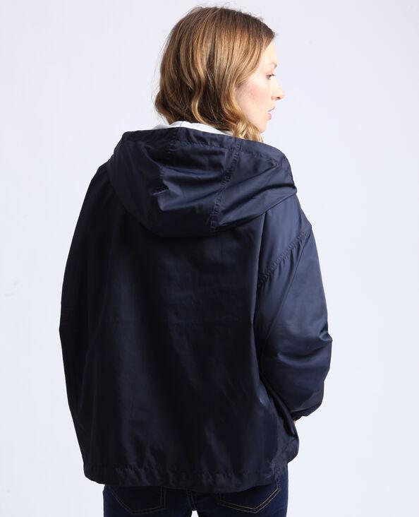 Coupe-vent à capuche bleu foncé