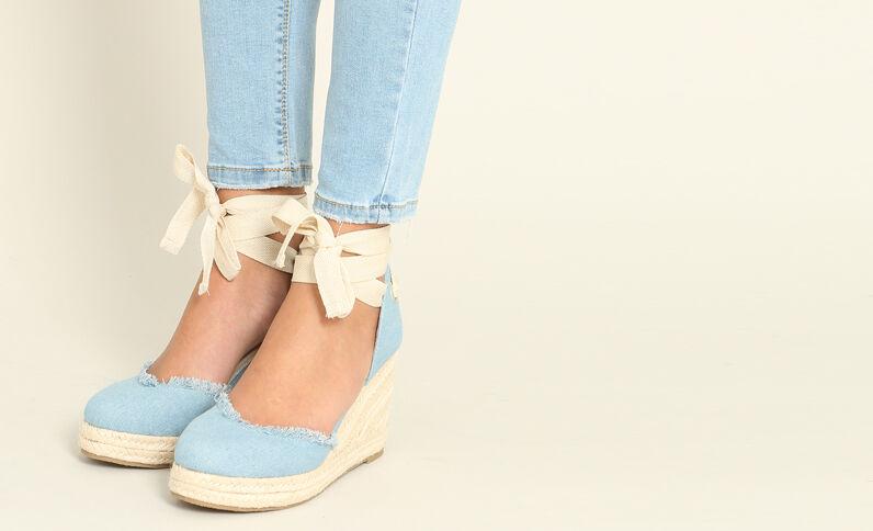 Sandalen met sleehak hemelsblauw