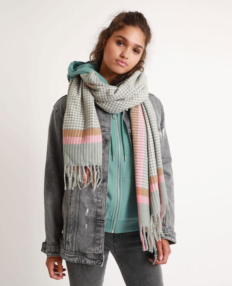 Veelkleurige, warme sjaal roze