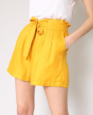 Soepelvallende short geel