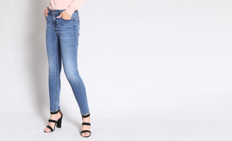 - Skinny jeans met middelhoge taille denimblauw
