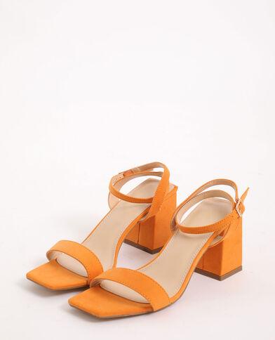 Sandales à talons carrés rose