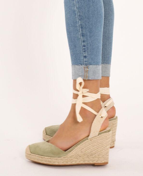Sandalen met sleehak van stro kaki