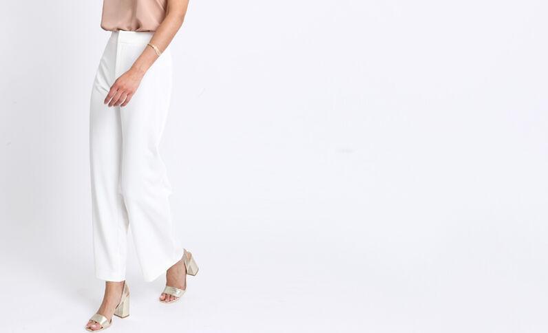 Soepele, brede broek wit