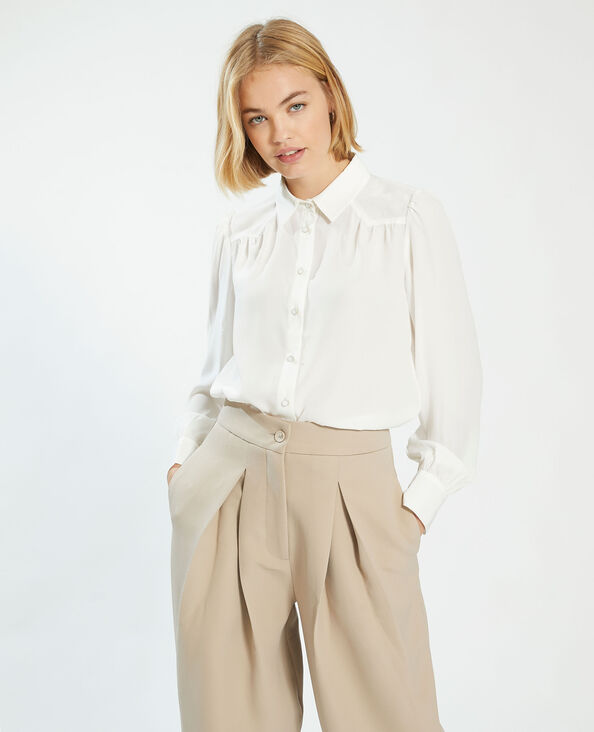 Zijdeachtige blouse met fantasieknopen gebroken wit - Pimkie