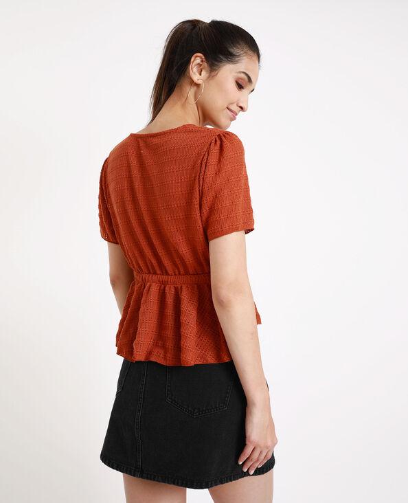 Opengewerkt shirt roestkleur
