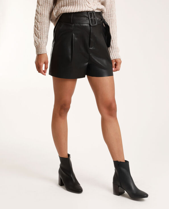 Short en faux cuir noir