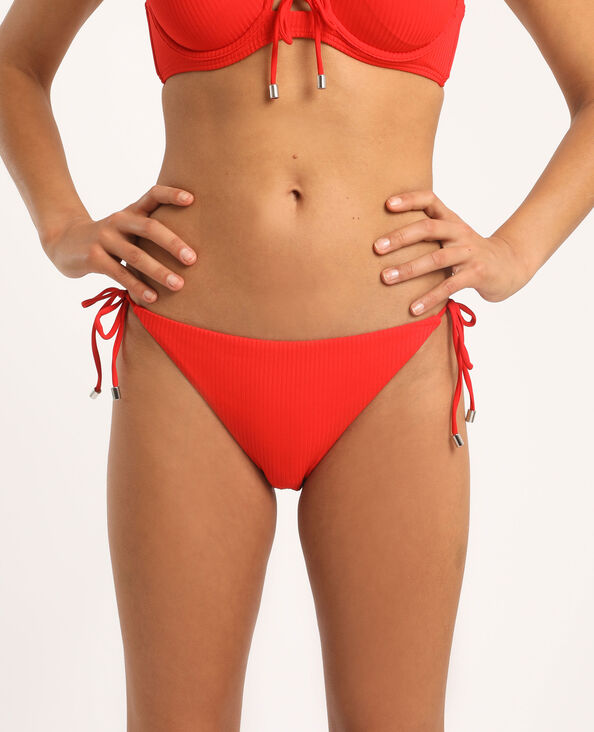 Laag uitgesneden bikinislip rood