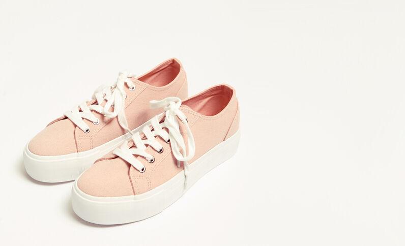 Baskets en toile plateforme rose poudré