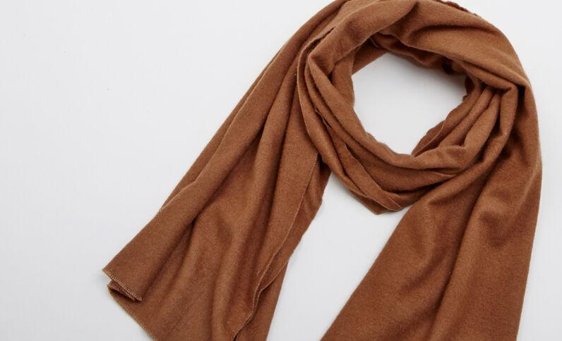 Zachte sjaal karamel