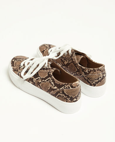 Sneakers in nep pythonslangenleer geweven beige