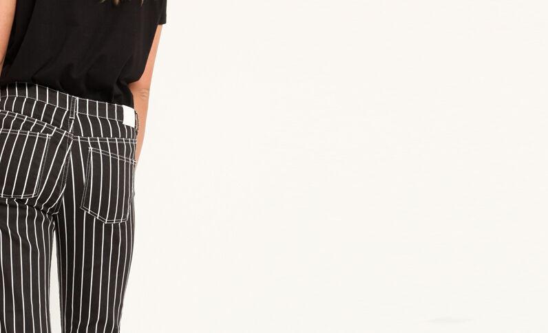 Gestreepte broek met 5 zakken zwart