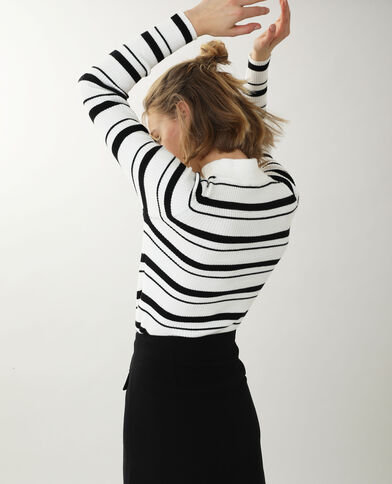Nauwsluitende trui met fijne ribbels gebroken wit