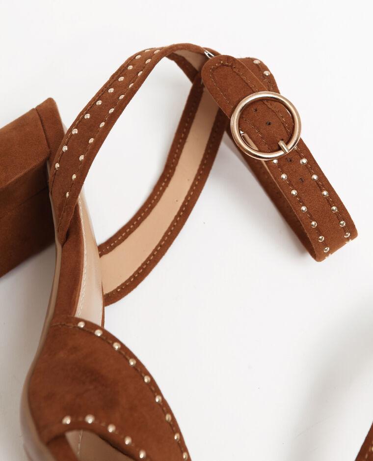 Sandales cloutées marron