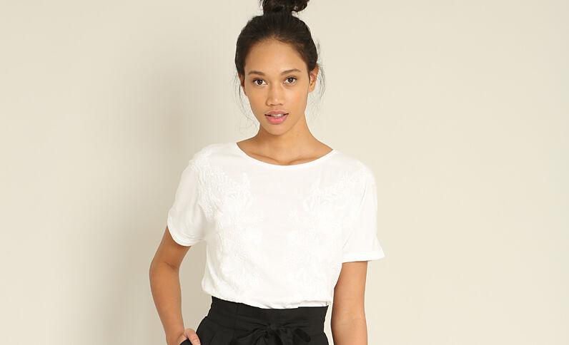 T-shirt met borduursels wit