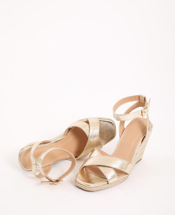 Sandalen met sleehak van stro goudkleurig