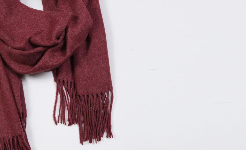 Sjaal met franjes bordeauxrood