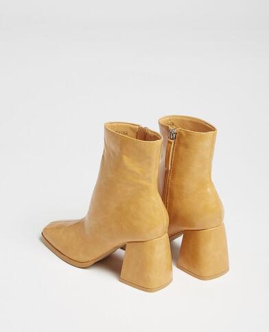 Laarzen met vierkante neus mosterdbruin