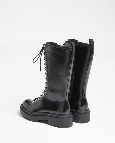 Stoere hoge laarzen zwart