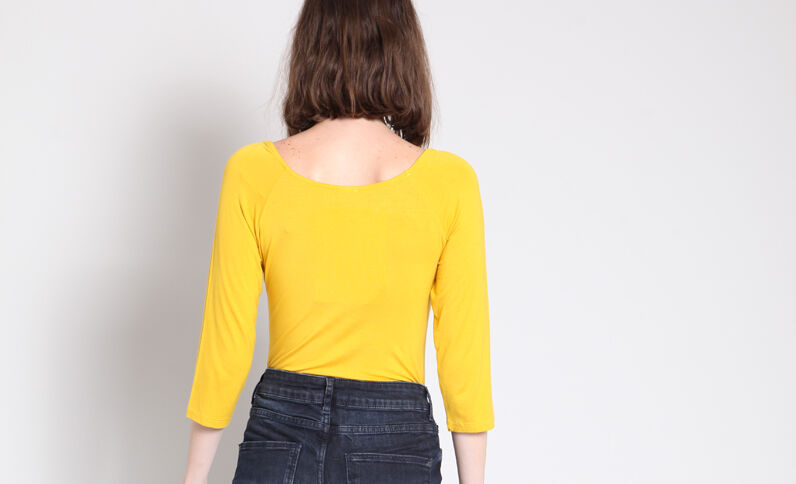 Body met driekwartmouwen geel