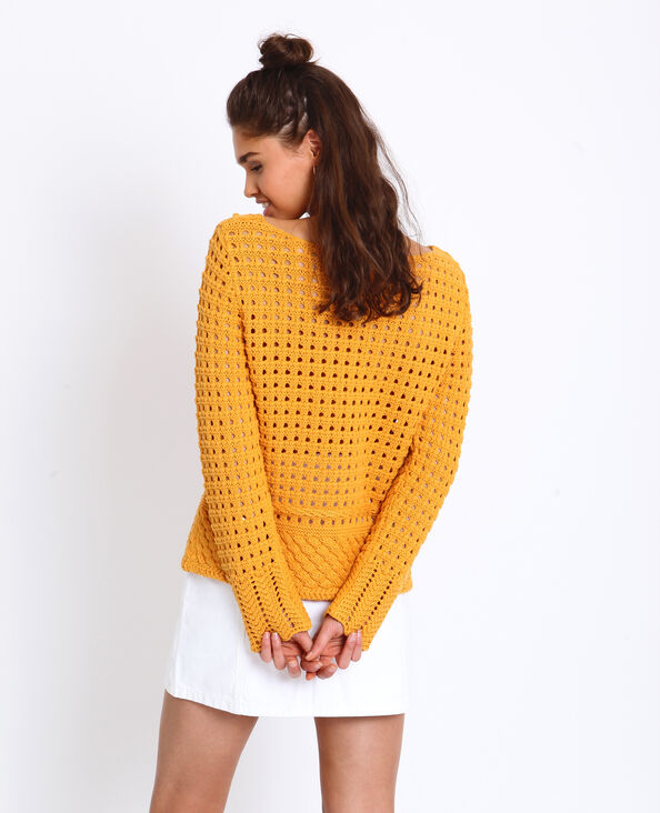 Trui van opengewerkt tricot geel