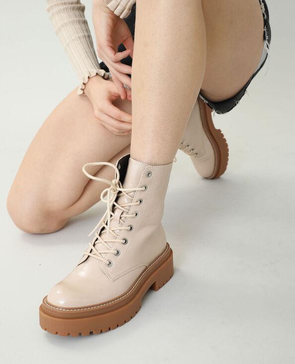 Stoere laarzen van imitatieleer beige