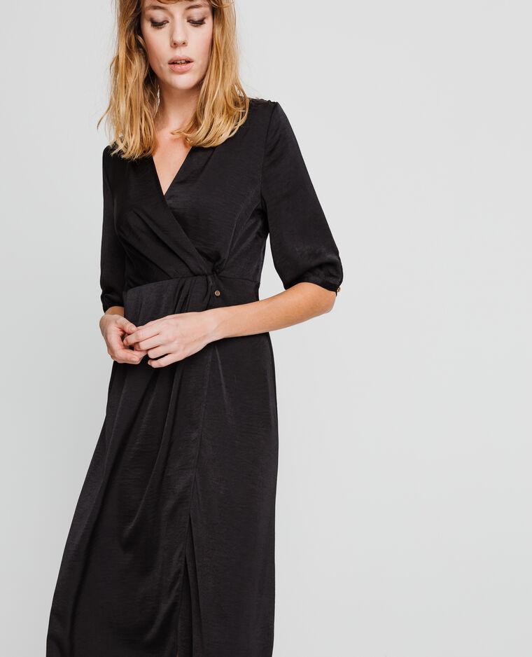 99d775d53bf144 Lange satijnen jurk zwart - 780942899A08