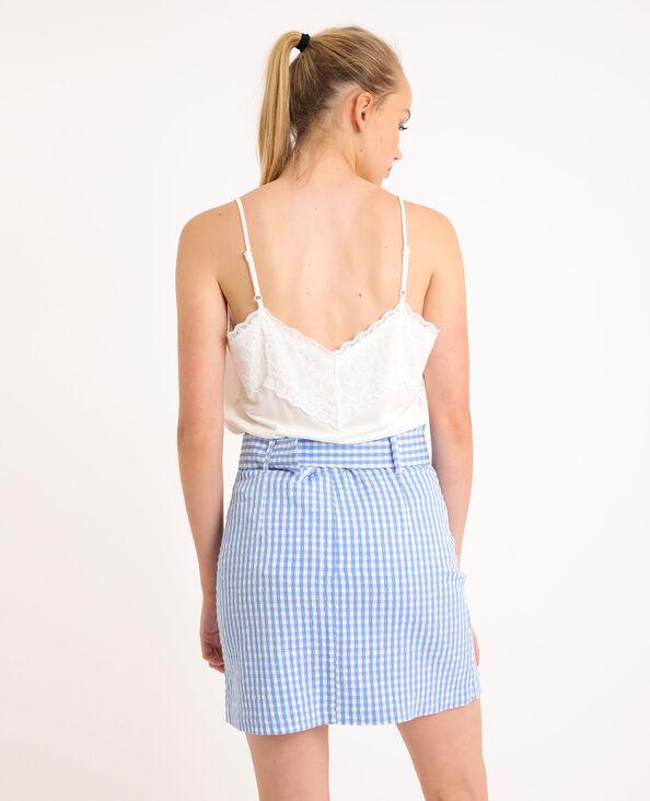 Topje met dunne schouderbandjes en kant wit