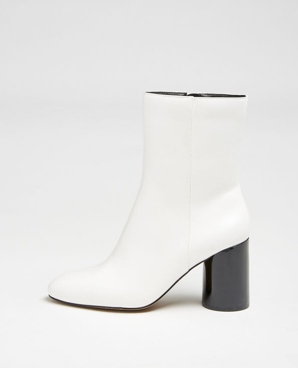 Laarzen met ronde hakken wit