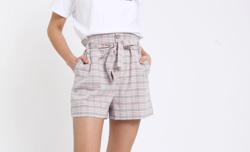 Short à carreaux rose