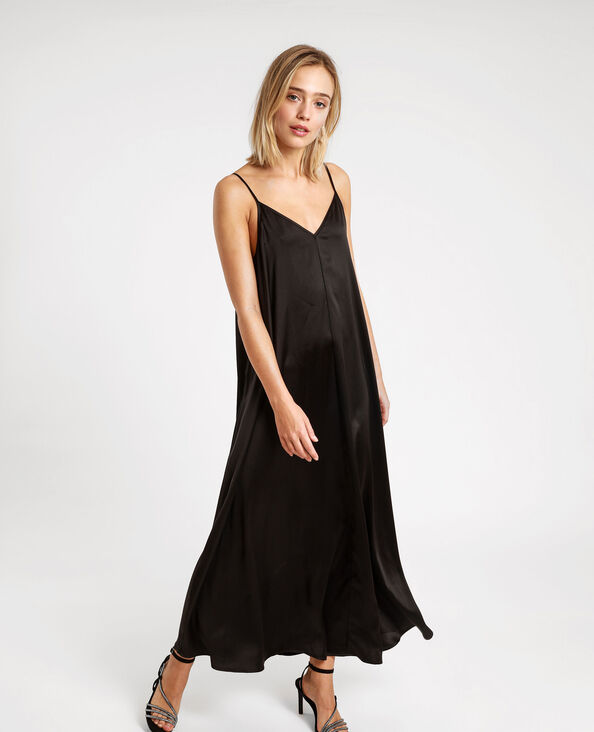 Lange satijnachtige jurk zwart